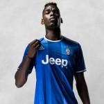 Se billedene og find links til forhandlere af den nye Juventus Udebanetrøje 2016. Paul Pogba er klar til sæsonen …eller er han?